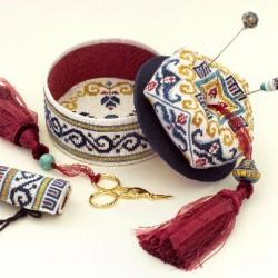 Deruta Biscornu Sewing box GPA