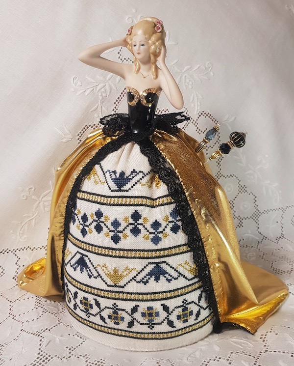 Embroidered Pincushion Doll in gold by Giulia Punti Antichi