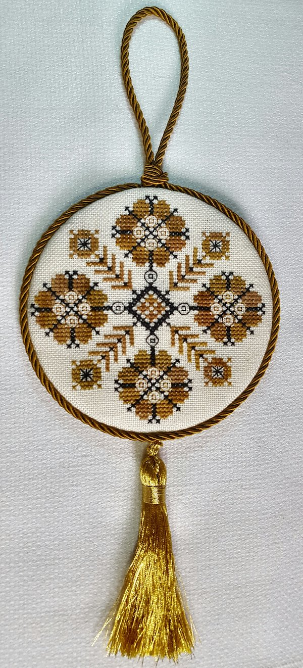embroidered christmas ornament in gold and blue designed by Giulia Punti Antichi