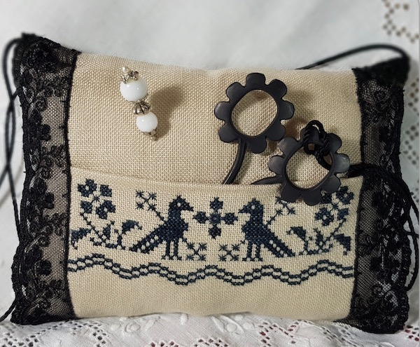 black pillow pincushion and scissor case embroidered by Giulia Punti Antichi