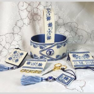 Italian Blue Deruta Sewing Basket an embroidered piece by Giulia Punti Antichi containing scissor fob, scissor case, needlebook